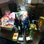 ワインやお菓子を頂きました。ちょっと早いですがメリークリスマス!