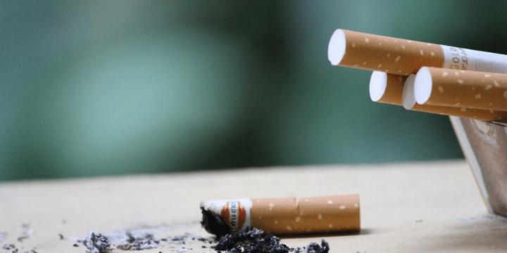 オーストラリア タバコ 喫煙